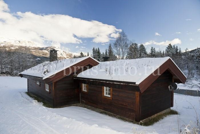 Зимний домик из бруса