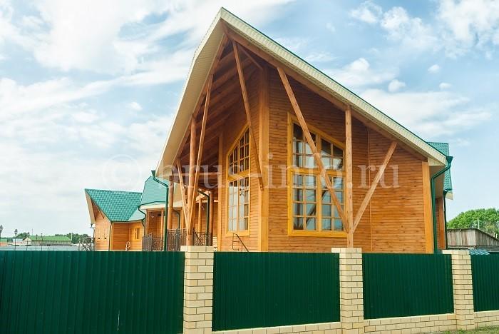 Деревянный дом необычной формы