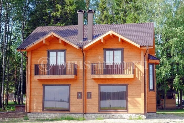 Дом из бруса в лесу