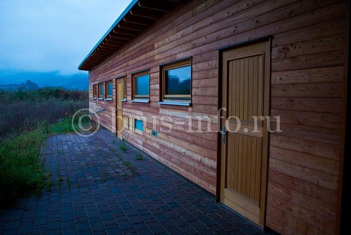 Одноэтажная деревянная постройка