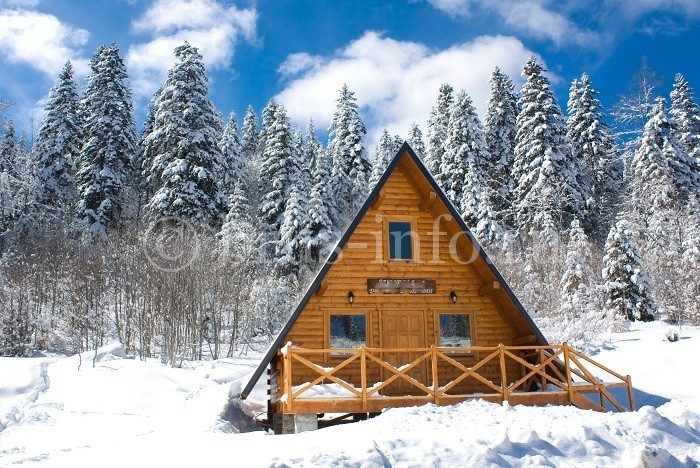 Дом, облицованный имитацией бруса