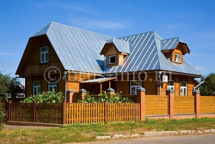 Деревенский дом из бруса