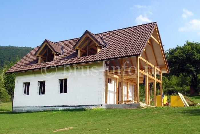 Дом с пристройкой из обрезного бруса