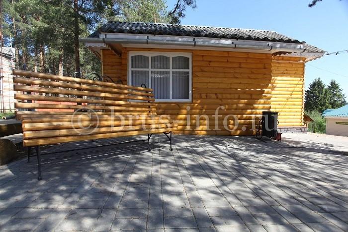 Покрытие деревянного дома из волнового шифера