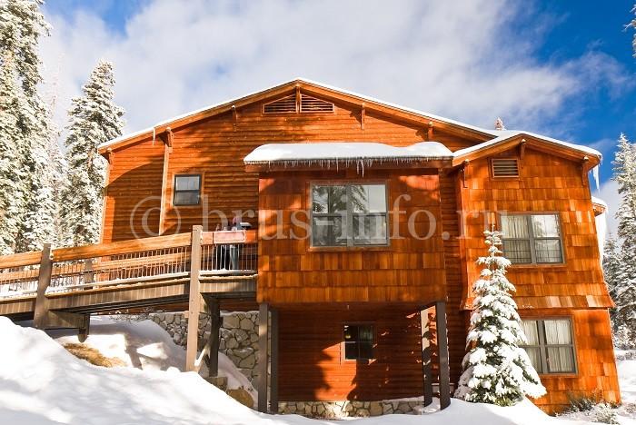 Дом из бруса с оригинальной отделкой