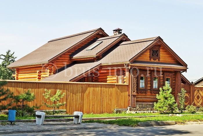 Деревенский бревенчатый дом