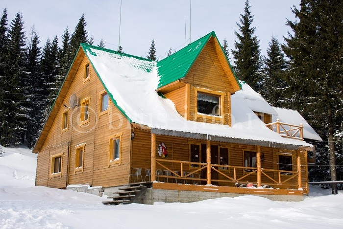 Двухэтажный теплый дом