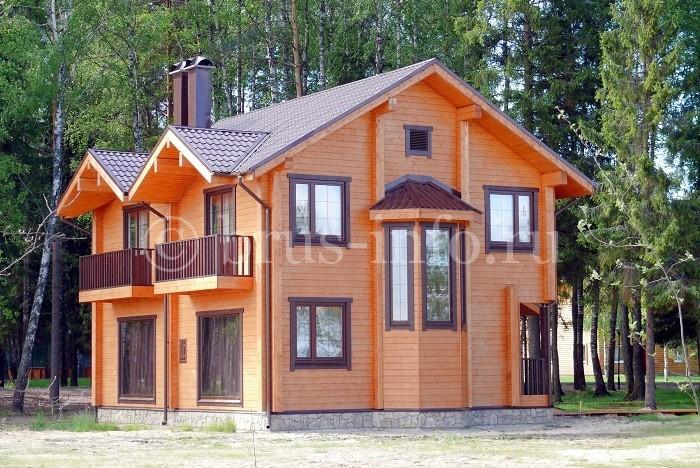 Финский дом из бруса в лесу