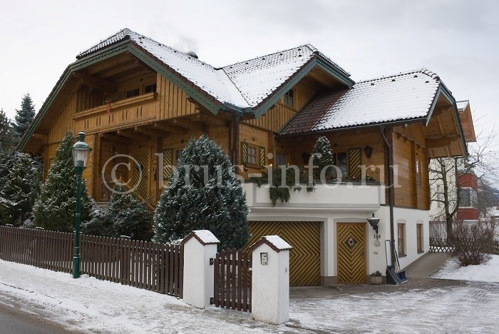 Деревянный дом сложной формы