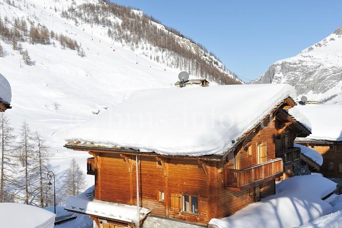 Деревянный дом в горах