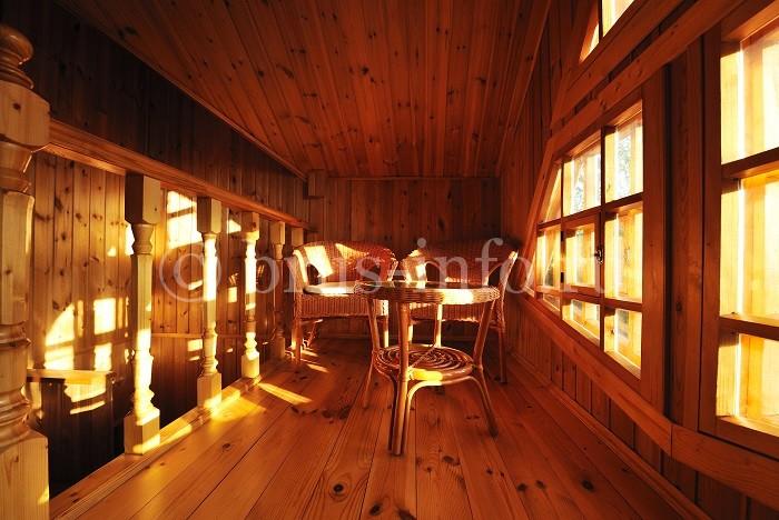 Место для отдыха в деревянном доме