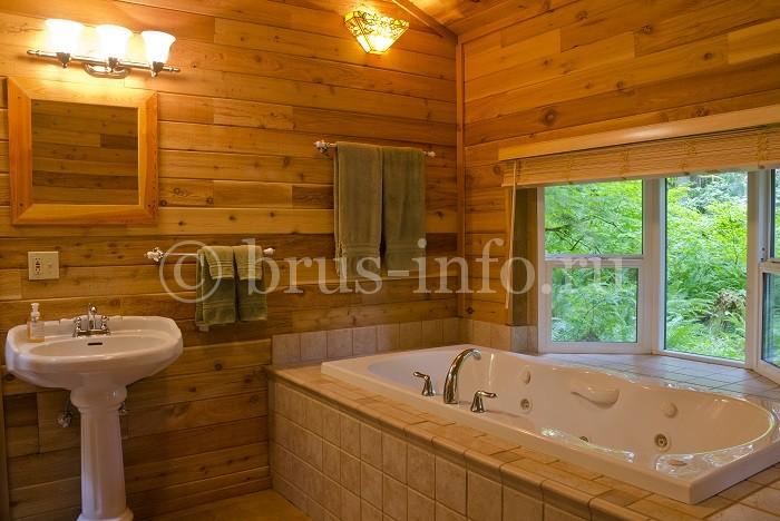 Современная ванная в деревянном доме