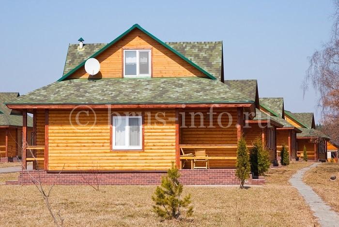 Небольшие деревянные домики