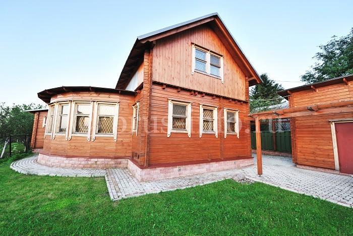 Дом из бруса с просторной верандой