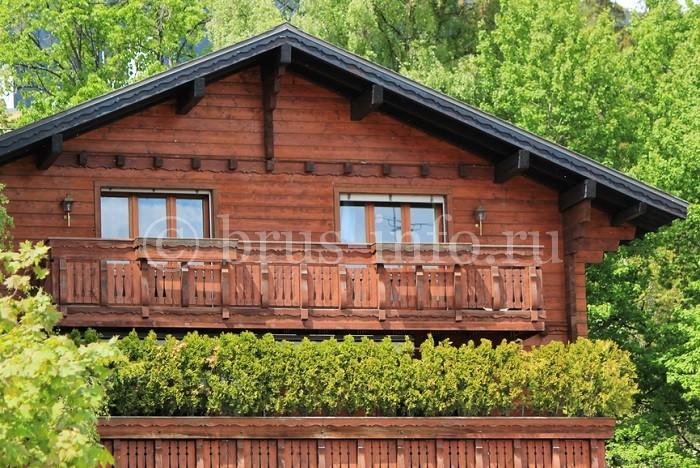 Теплый деревянный домик