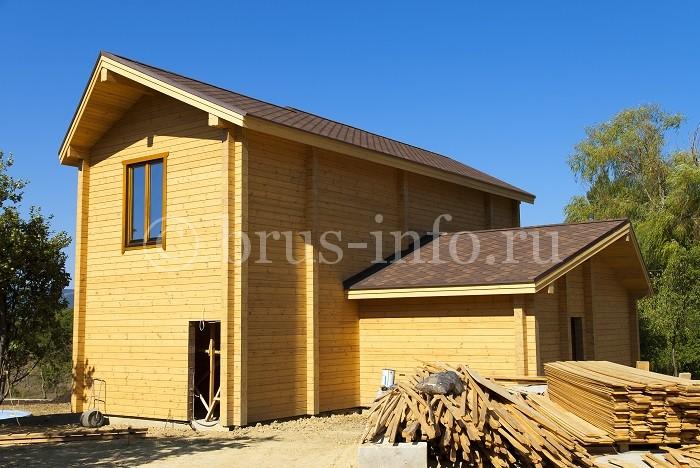 Дом, построенный из шпунтованного бруса
