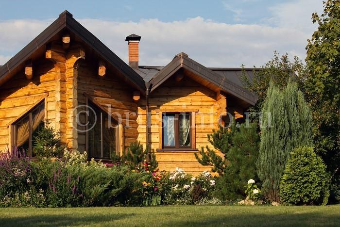 Оригинальный дом из бруса